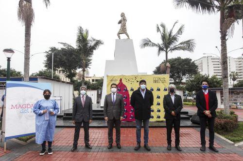 Diversas autoridades se hicieron presentes en la inauguración de la I Feria del Libro Augusto Tamayo Vargas, en Magdalena del Mar.