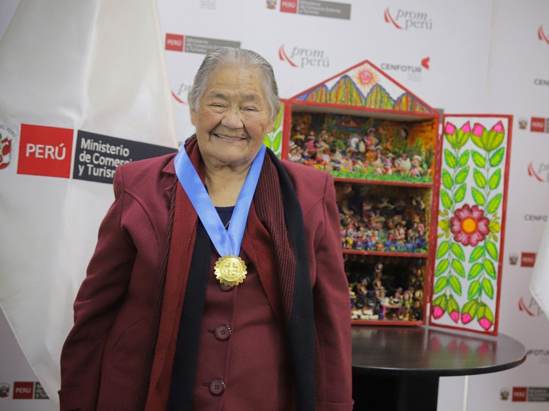 Conoce a Genoveva Núñez, la maestra cusqueña distinguida con el título de Amauta de la Artesanía Peruana por el Mincetur que otorga a los mejores artesanos del país.