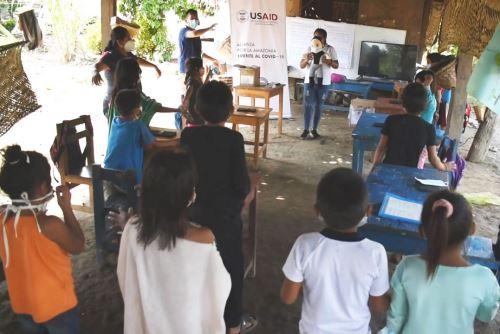 Comunidades nativas promueven educación segura ante la covid-19.