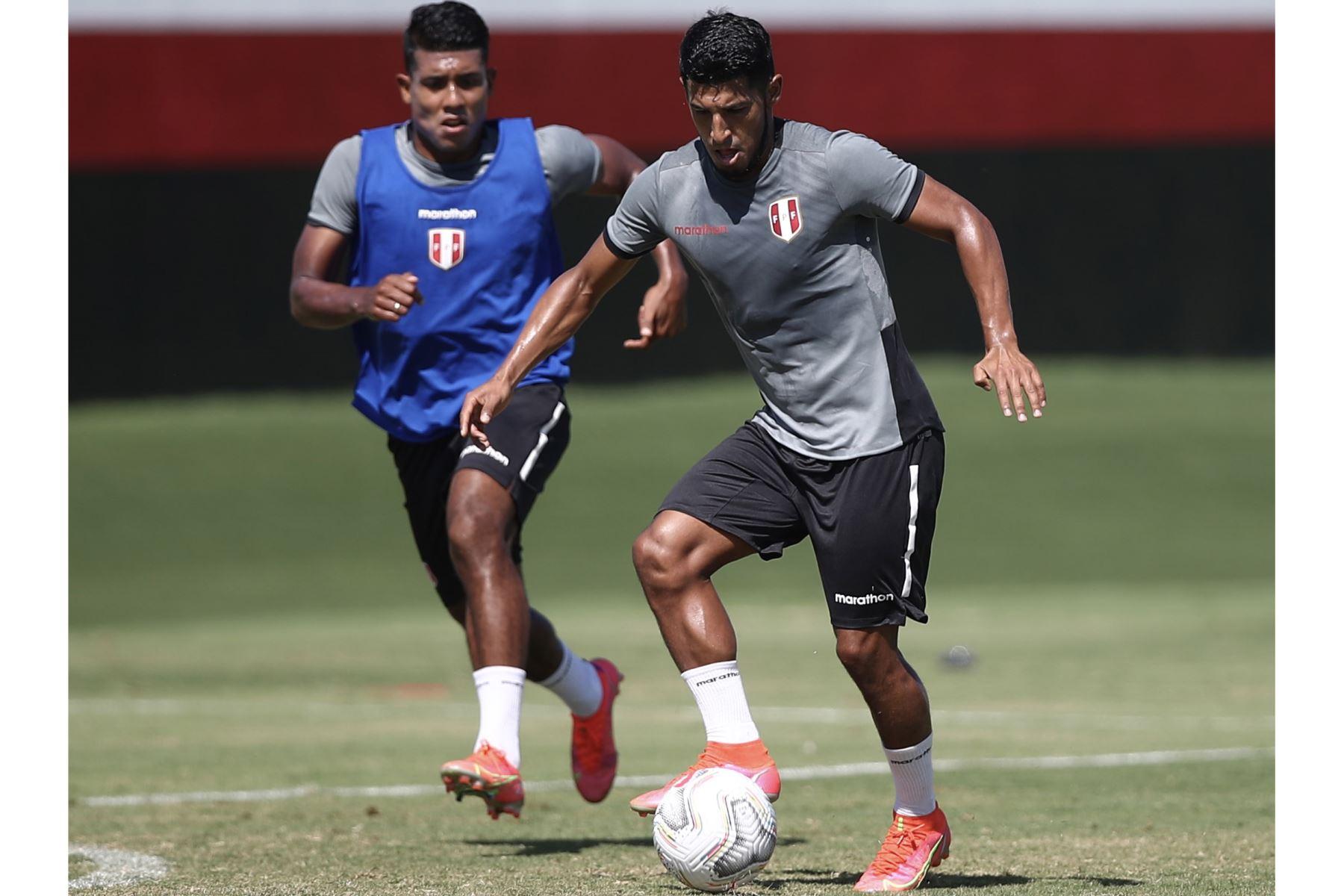 A un día del duelo ante Ecuador, la selección peruana continuó con su preparación en el campo de entrenamiento del Atlético Goianense con la mira puesta en afrontar su tercer encuentro en esta Copa América 2021. Foto: Selección Nacional