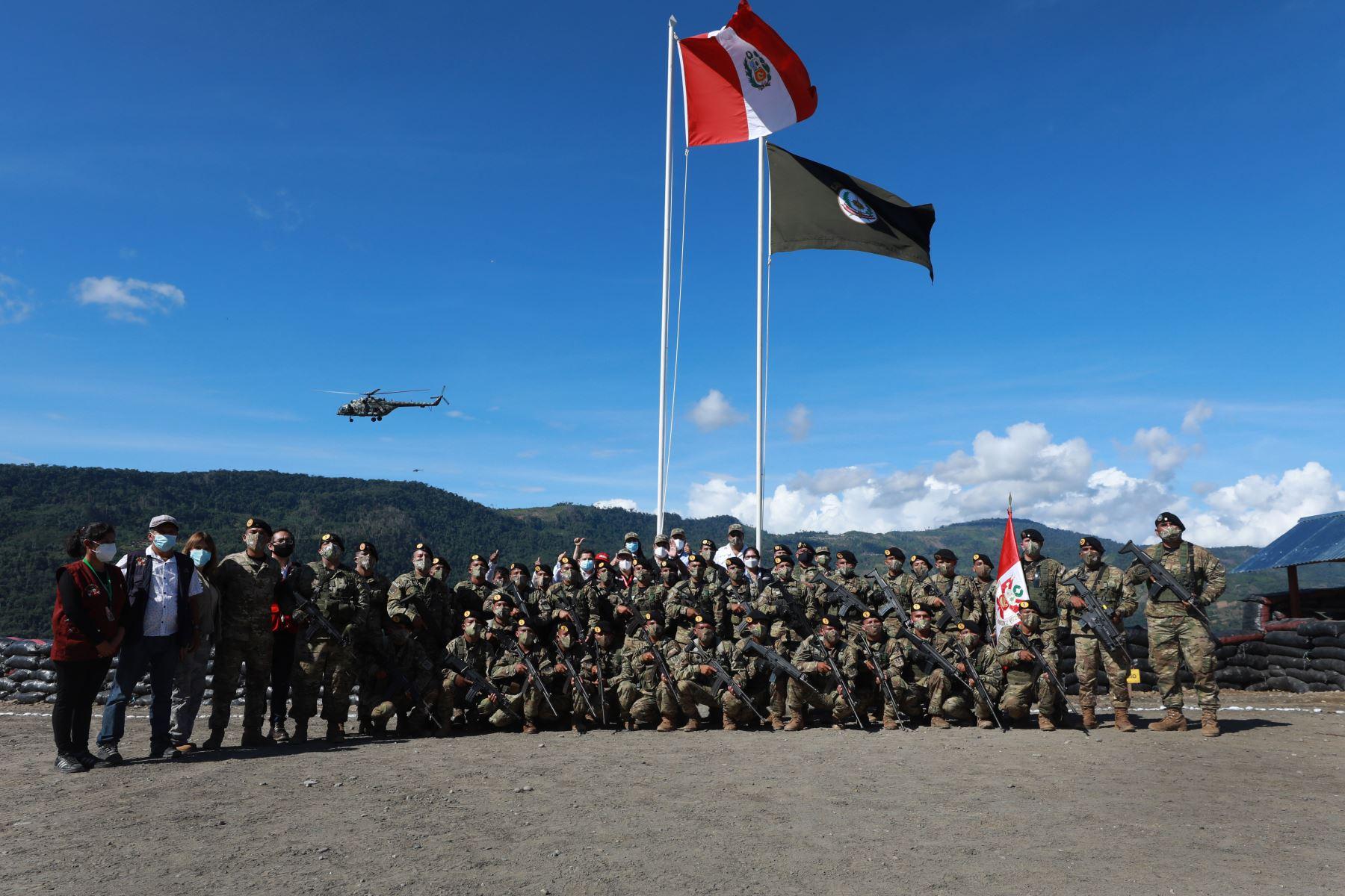 La ministra de Defensa, Nuria Esparch, inauguró  una base militar contraterrorista en el centro poblado de San Miguel del Ene, distrito de Vizcatán del Ene, en la provincia de Satipo, región Junín. Foto: Mindef