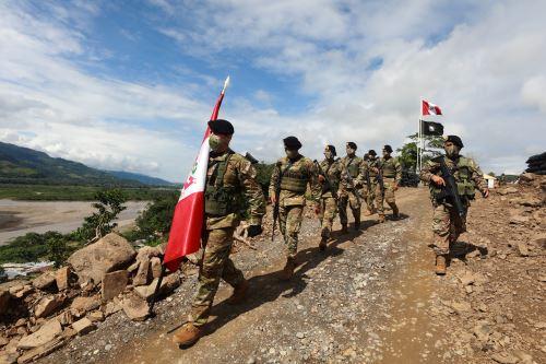 La ministra de Defensa  inaugura base militar contraterrorista en el centro poblado de San Miguel del Ene