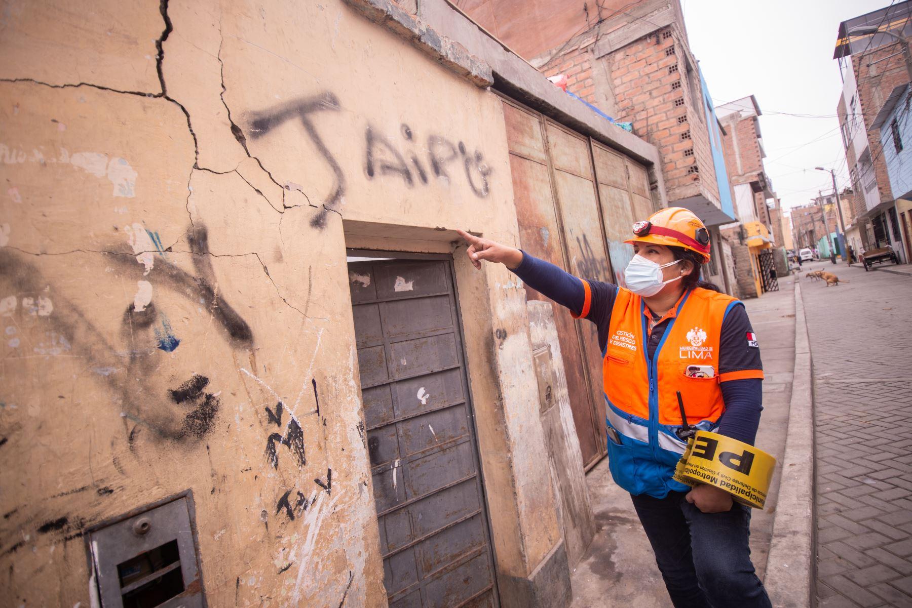 La Municipalidad de Lima supervisa daños en propiedades del Cercado de Lima luego de sismo de anoche que alertó a vecinos de toda la capital. Foto: MML