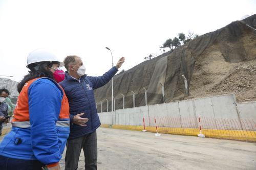 Alcalde de Lima supervisa la Costa Verde tras sismo de seis grados