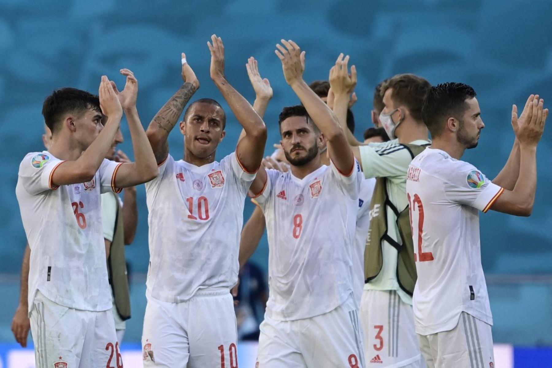 España comanda a los 14 clasificados a los octavos de final
