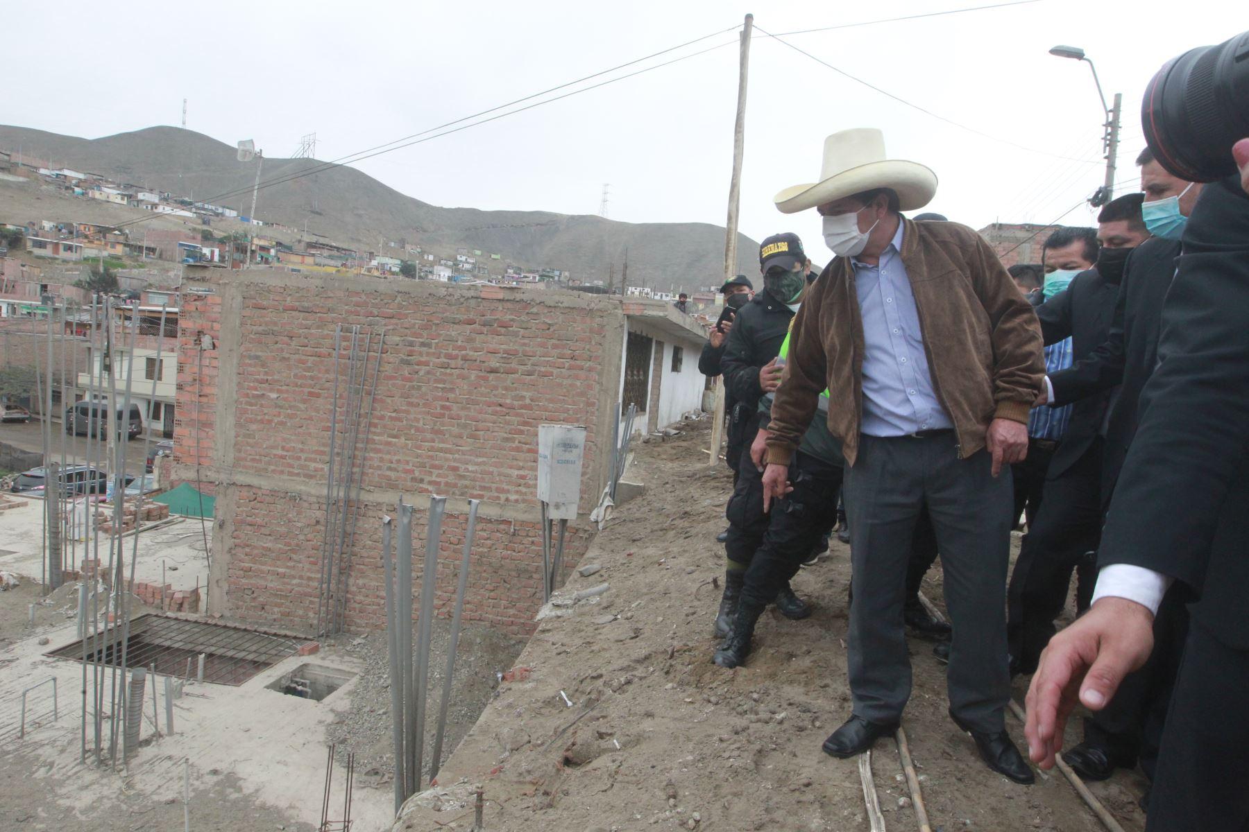 Candidato presidencial Pedro Castillo, visitó zona afectada por sismo en Mala. Foto: ANDINA/Jhony Laurente