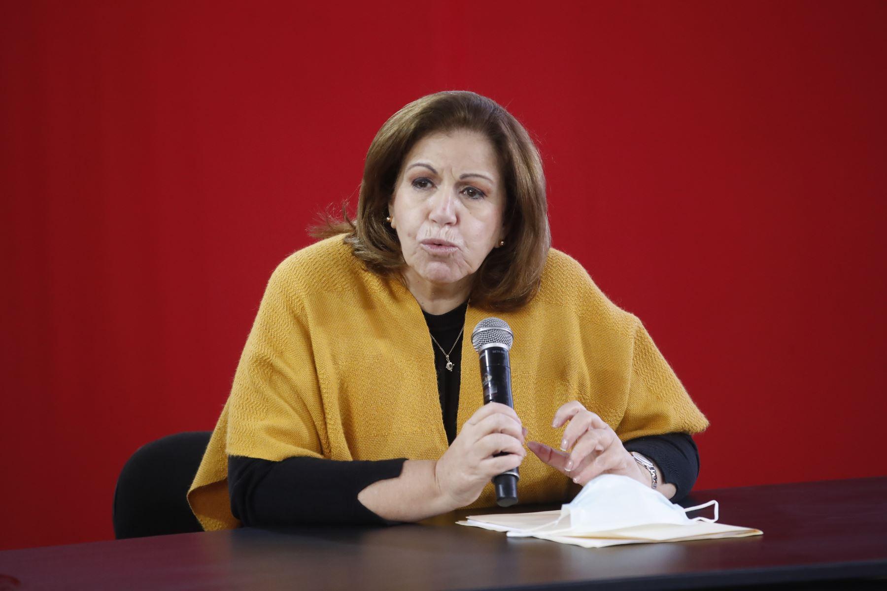 Lourdes Flores Nano en conferencia de prensa tras audiencia del JNE. Foto: ANDINA/Juan Carlos Guzmán