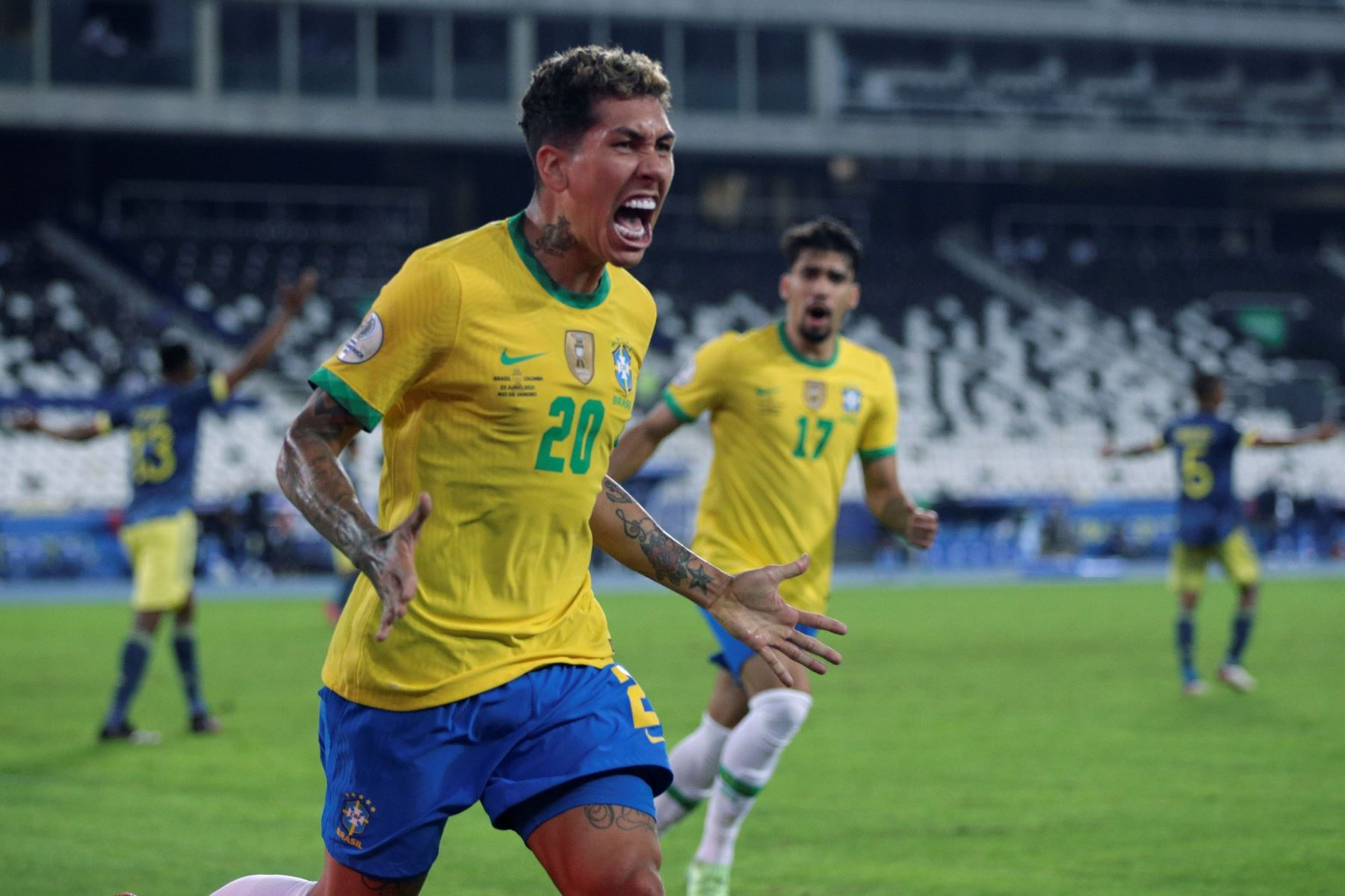 Roberto Firmino de Brasil celebra un gol  ante Colombia, durante un partido por el Grupo B de la Copa América en el Estadio Olímpico Nilton Santos de Río de Janeiro. Foto: EFE