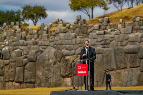 Presidente Francisco Sagasti asiste a la escenificación del Inti Raymi en el Cusco
