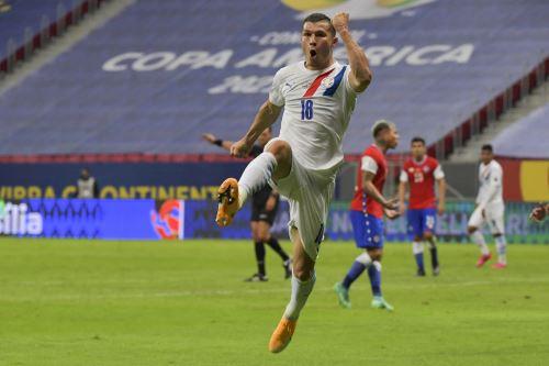 Paraguay vence 2-0 a Chile por el Grupo A de la Copa América