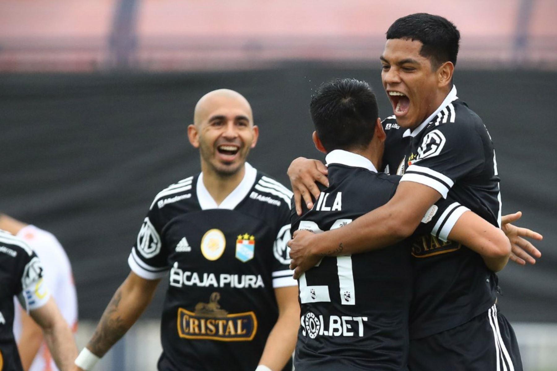 Las semifinales de esta segunda edición de la Copa Bicentenario serán entre el Carlos A. Mannucci y el Atlético Grau; y entre Sporting Cristal versus Unión Comercio. Foto: Internet.