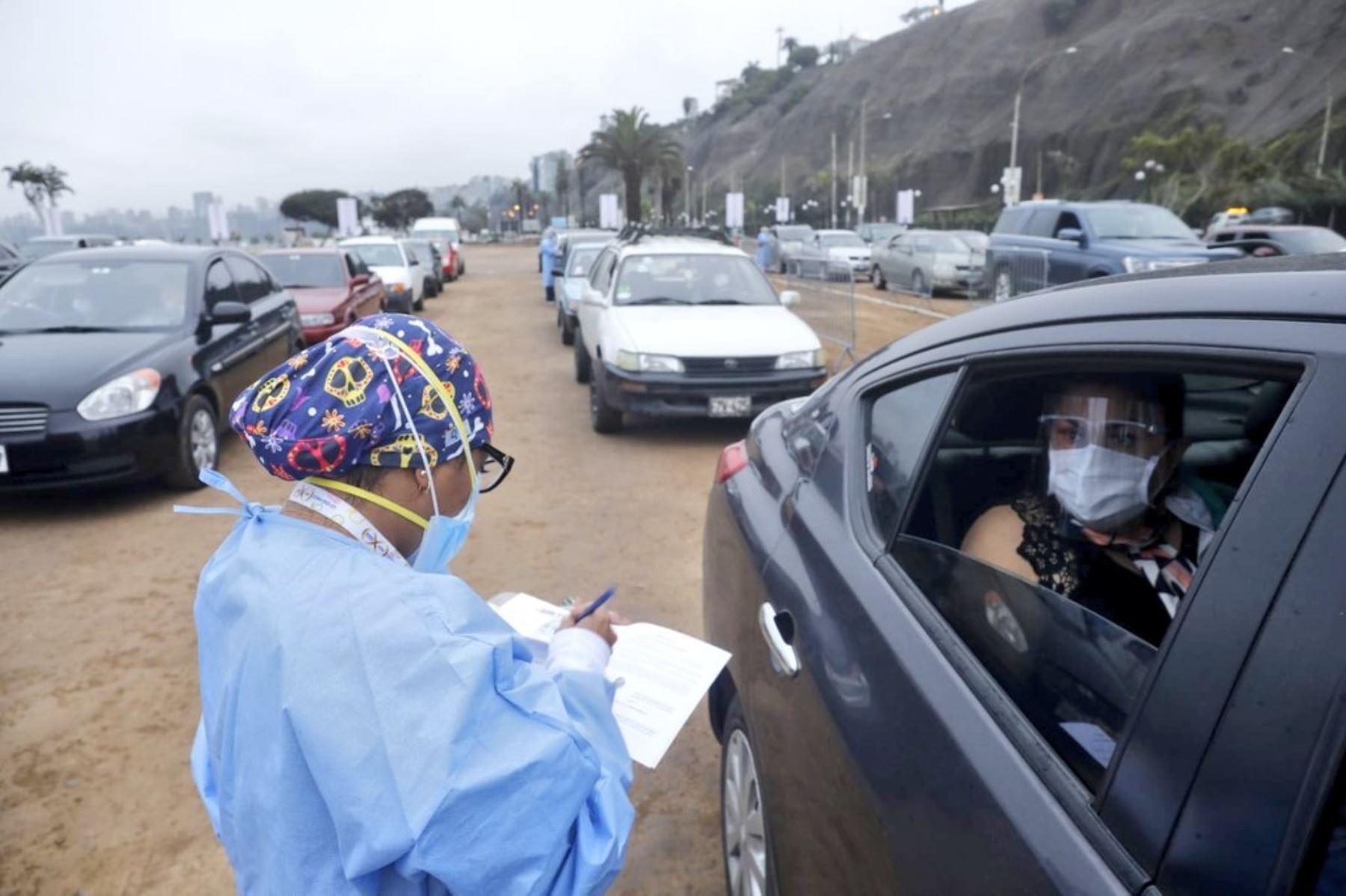 ¡Atención! Cierran temporalmente vacunatorios en la Costa Verde por fuerte oleaje