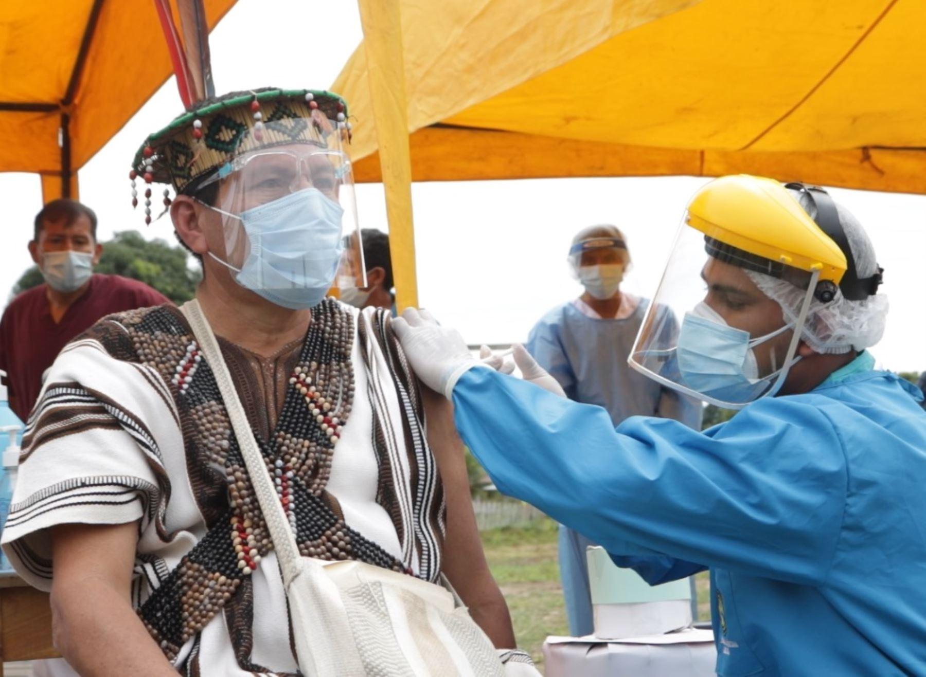 El Ministerio de Salud destacó que el proceso de vacunación contra el covid-19 en zonas de frontera y comunidades indígenas avanza a paso sostenido. ANDINA/Difusión
