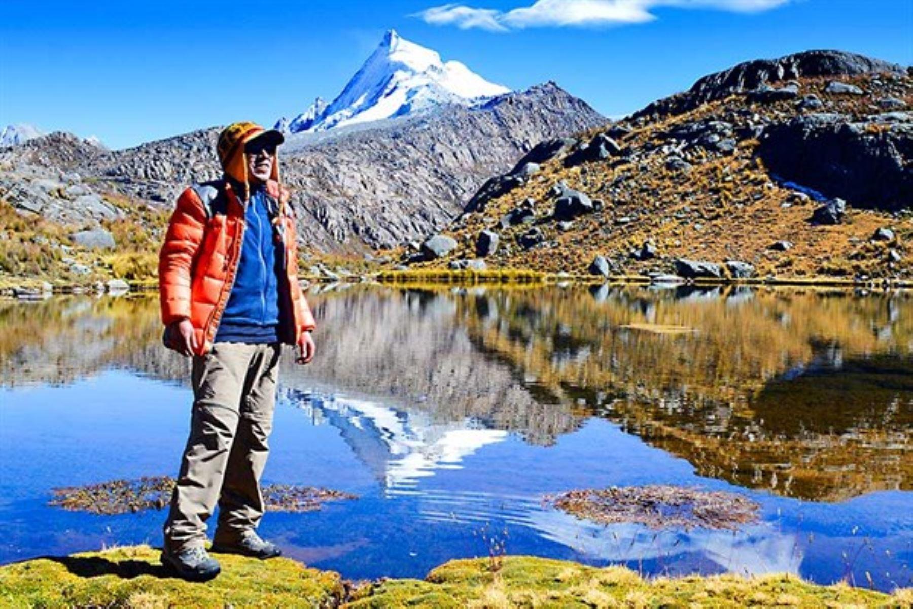 Óscar Vilca Gómez conoce todas las cordilleras del Perú, las que tienen glaciares y las que no, las caracterizadas por volcanes que recorren parte del territorio de Moquegua y Tacna, o las alimentadas por las lluvias en sus cúspides.