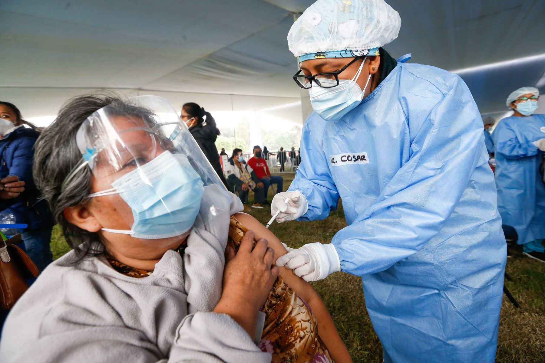 Vacunación contra covid-19: ya se aplicaron 8 millones 131,007 dosis en Perú