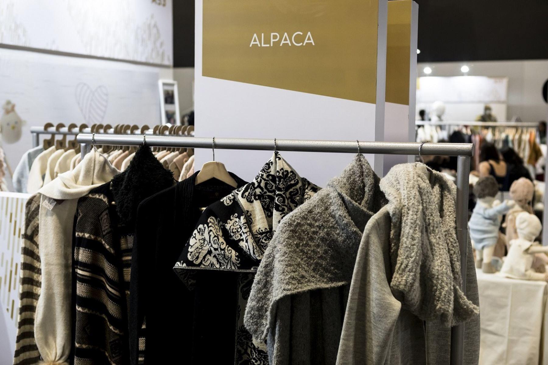 Empresas de Ayacucho, Junín y Lima se capacitan en moda exportable