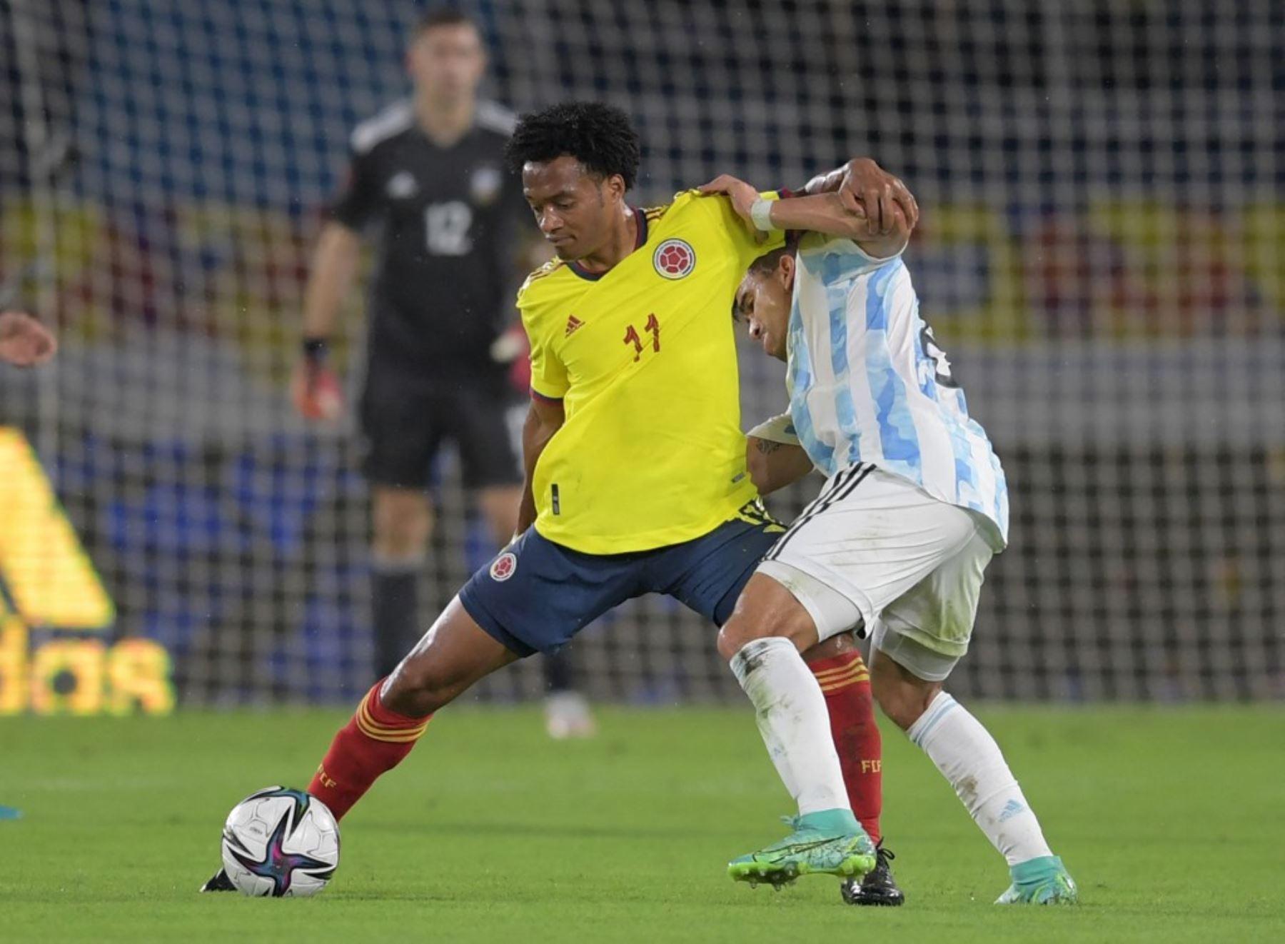 """Cuadrado asegura que Colombia juega una \""""final\"""" con Argentina"""