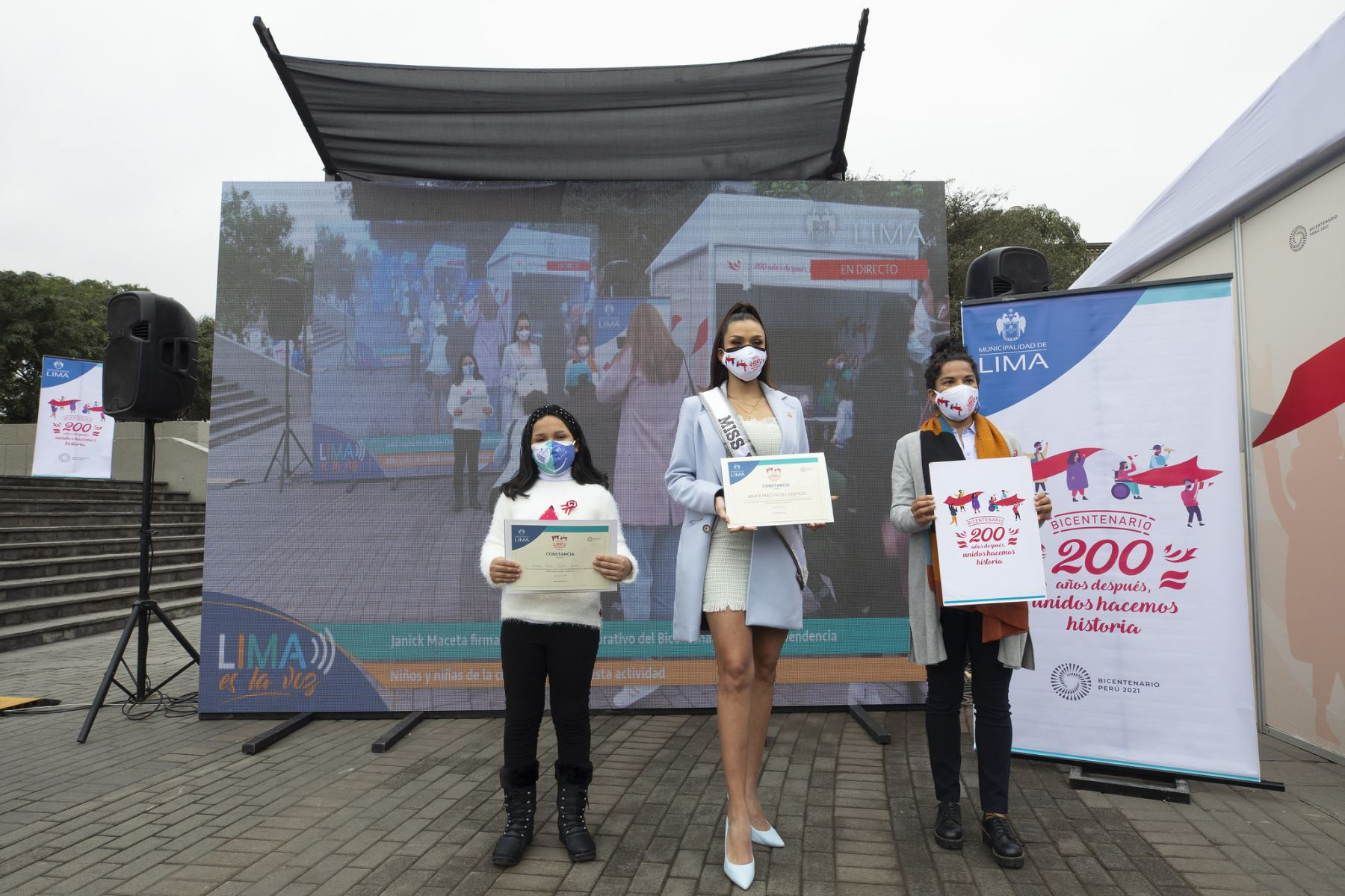 Miss Perú Janick Maceta y 200 niños firmaron libro conmemorativo por Bicentenario