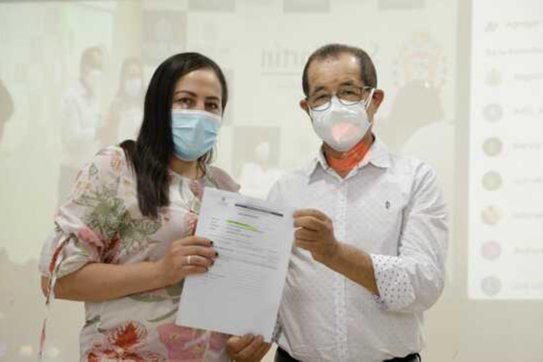 San Martín: gobierno regional otorga nombramiento a 56 trabajadores del sector salud