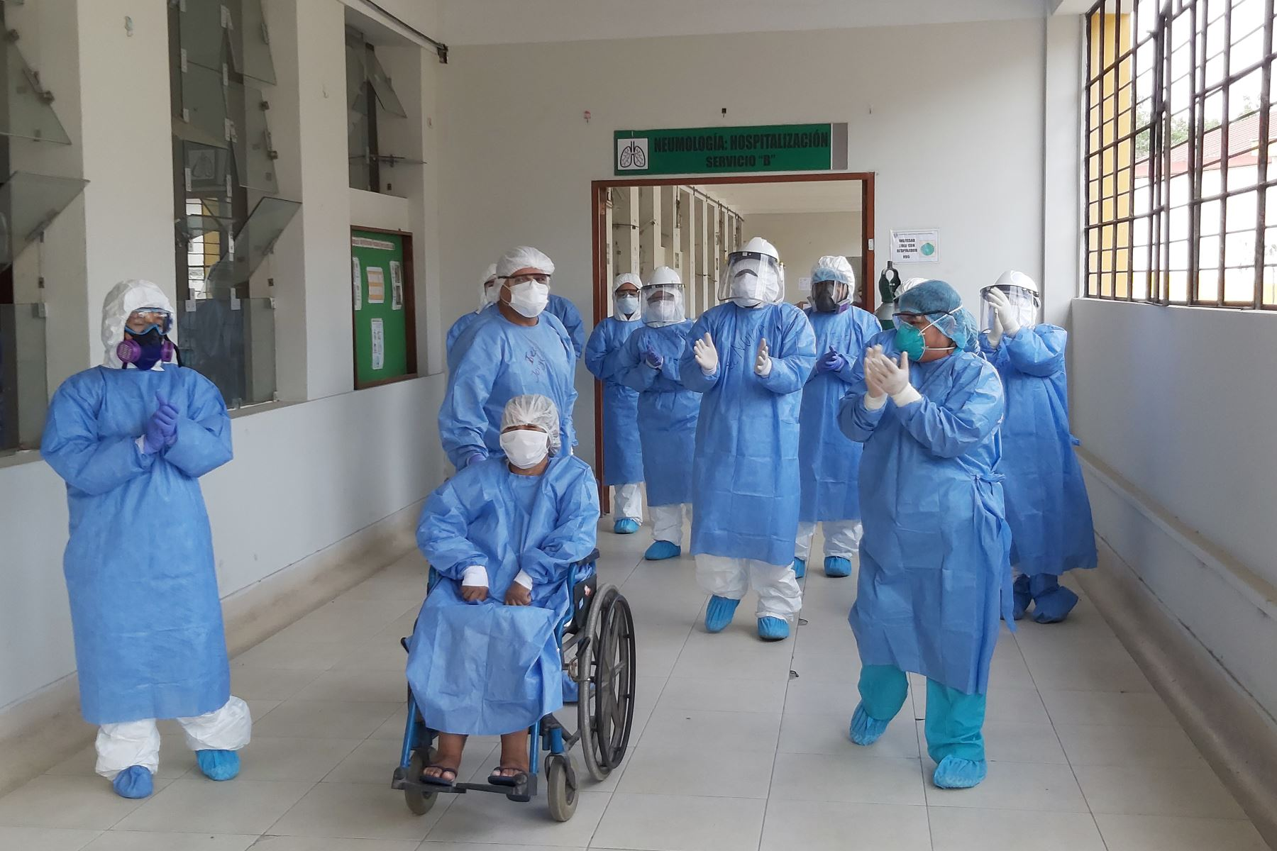 El Minsa informó que, hasta hoy, 2 millones 32,613 personas han superado la enfermedad, tras cumplir un período de aislamiento domiciliario o recibir el alta médica en un establecimiento de salud. ANDINA/ Minsa