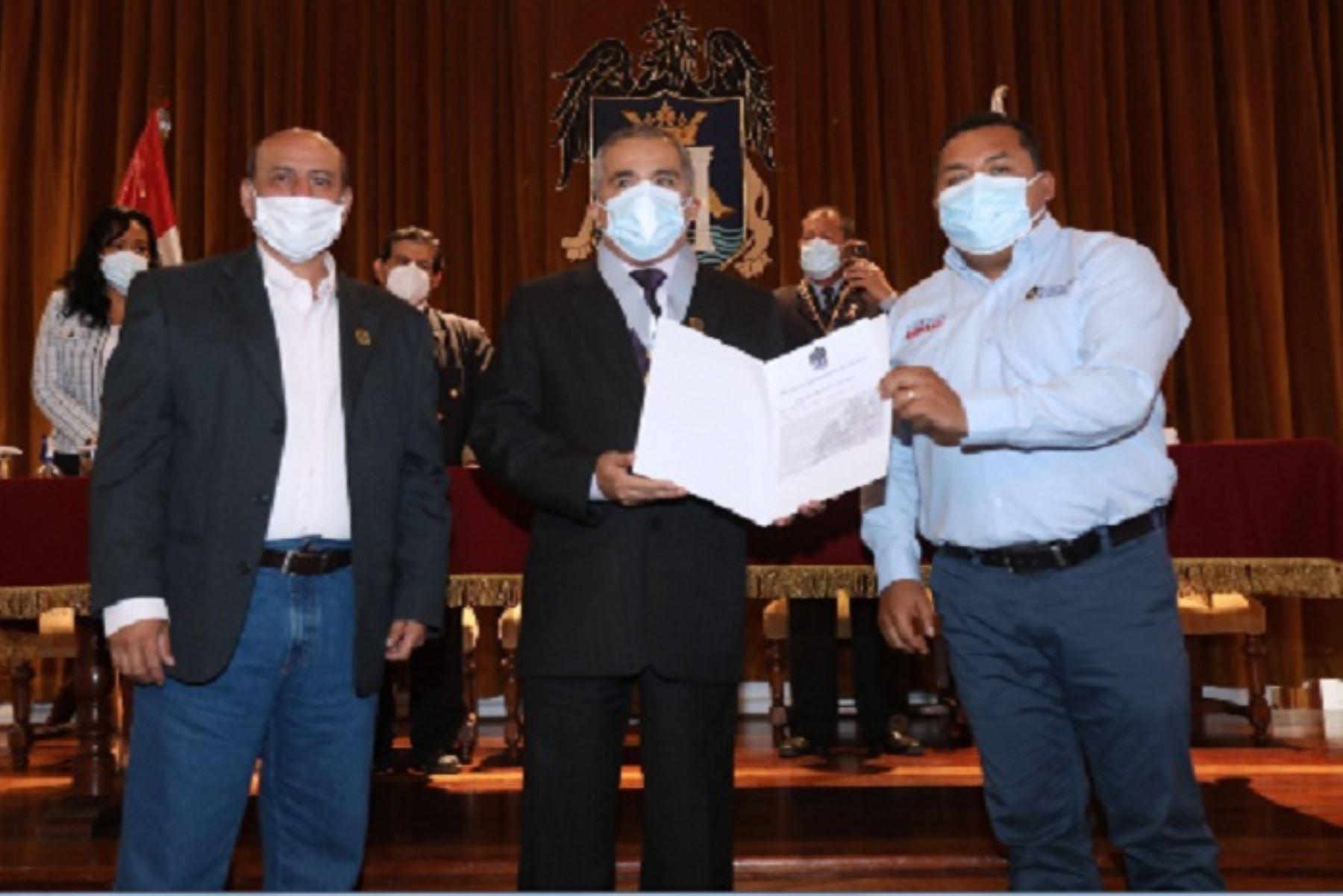Día del Maestro: municipio provincial de Trujillo rinde homenaje a 50 docentes