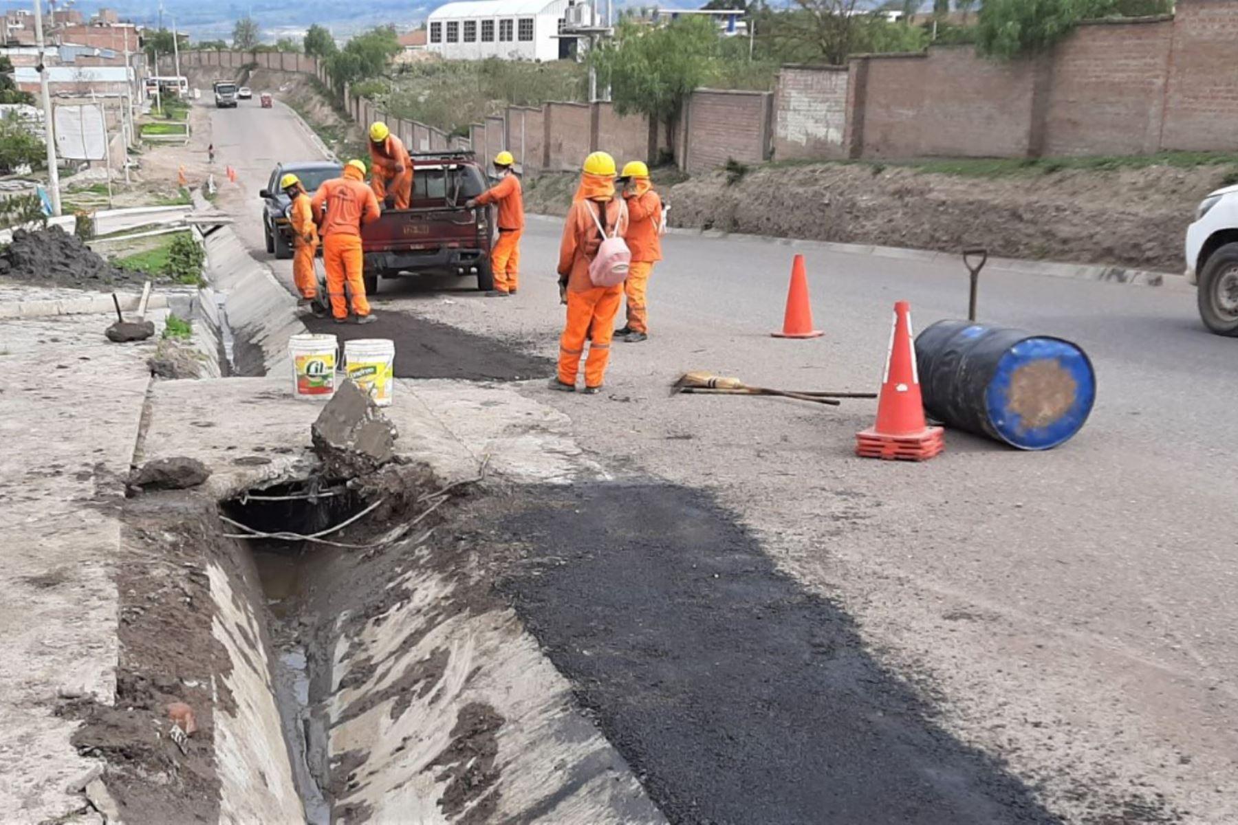 Ayacucho: MTC realiza mantenimiento de 393 km de carretera en el marco de Arranca Perú.