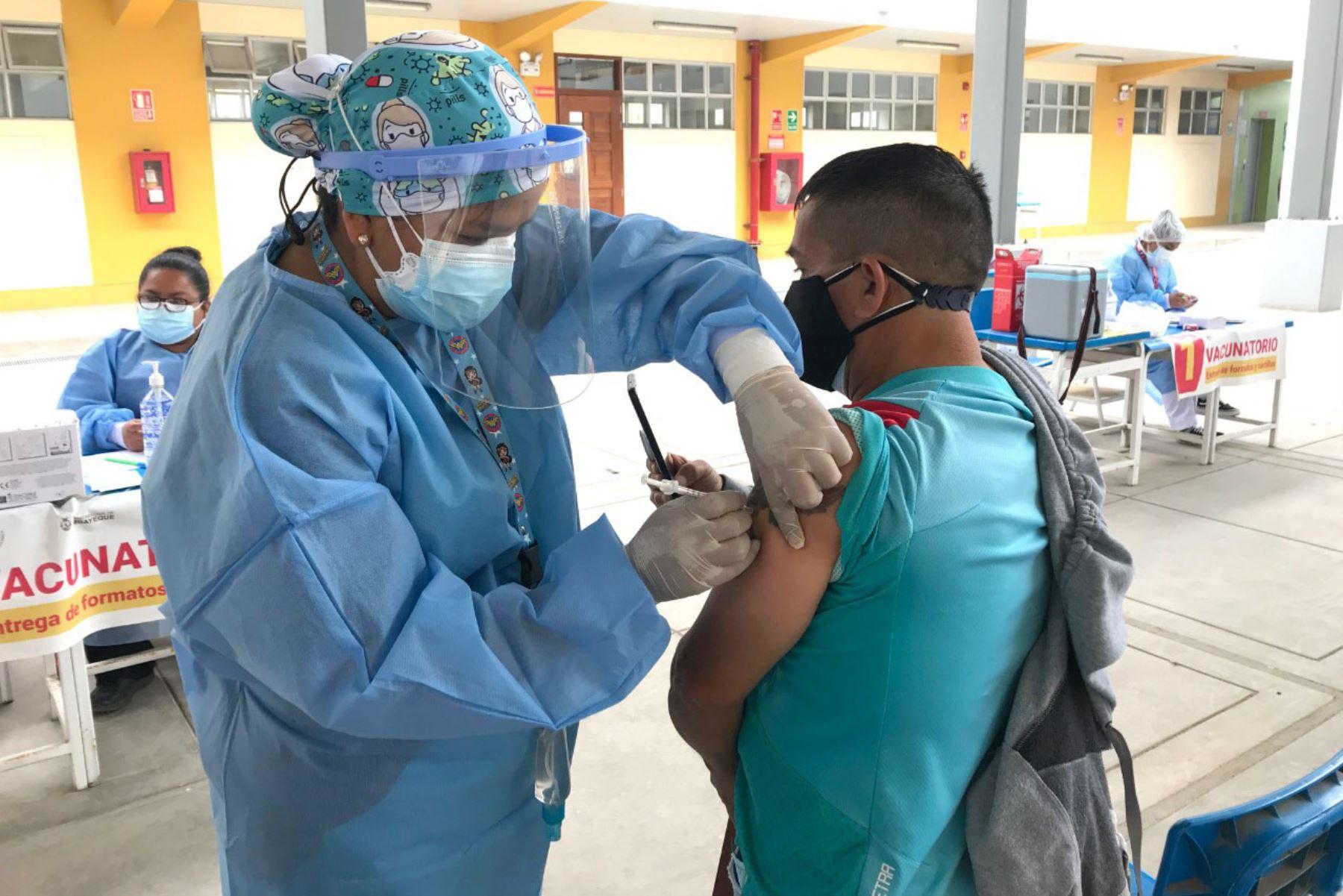 Lambayeque: más de 7,000 maestros rurales serán vacunados contra covid-19