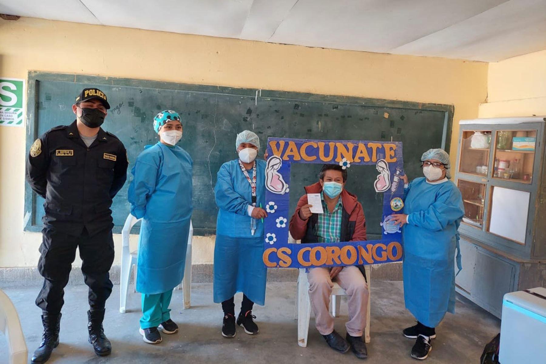 Día del Maestro: docentes de zonas rurales de Áncash celebran con vacunación