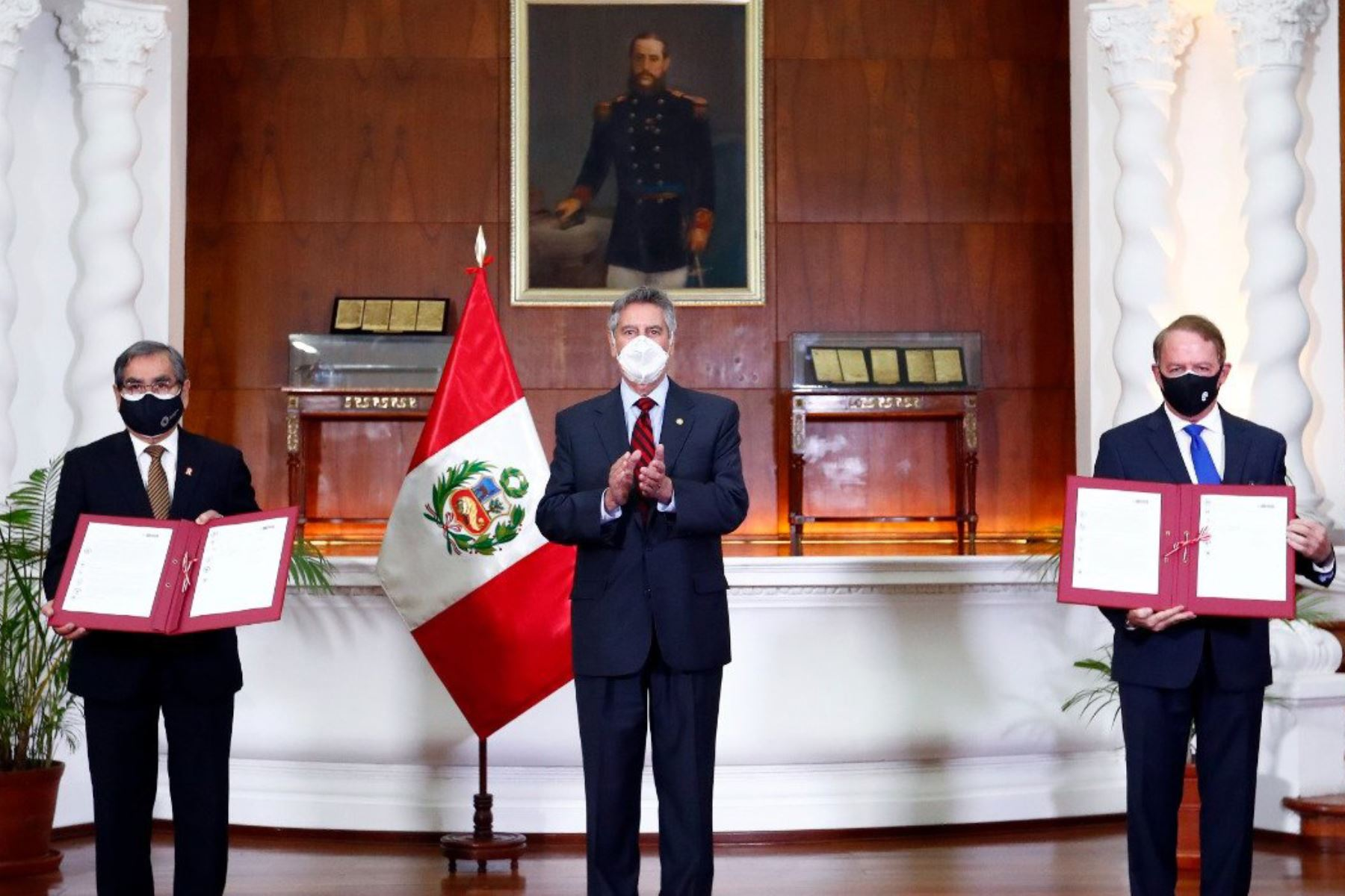 Presidente Sagasti lidera firma de convenio entre el Minsa y Southern Perú