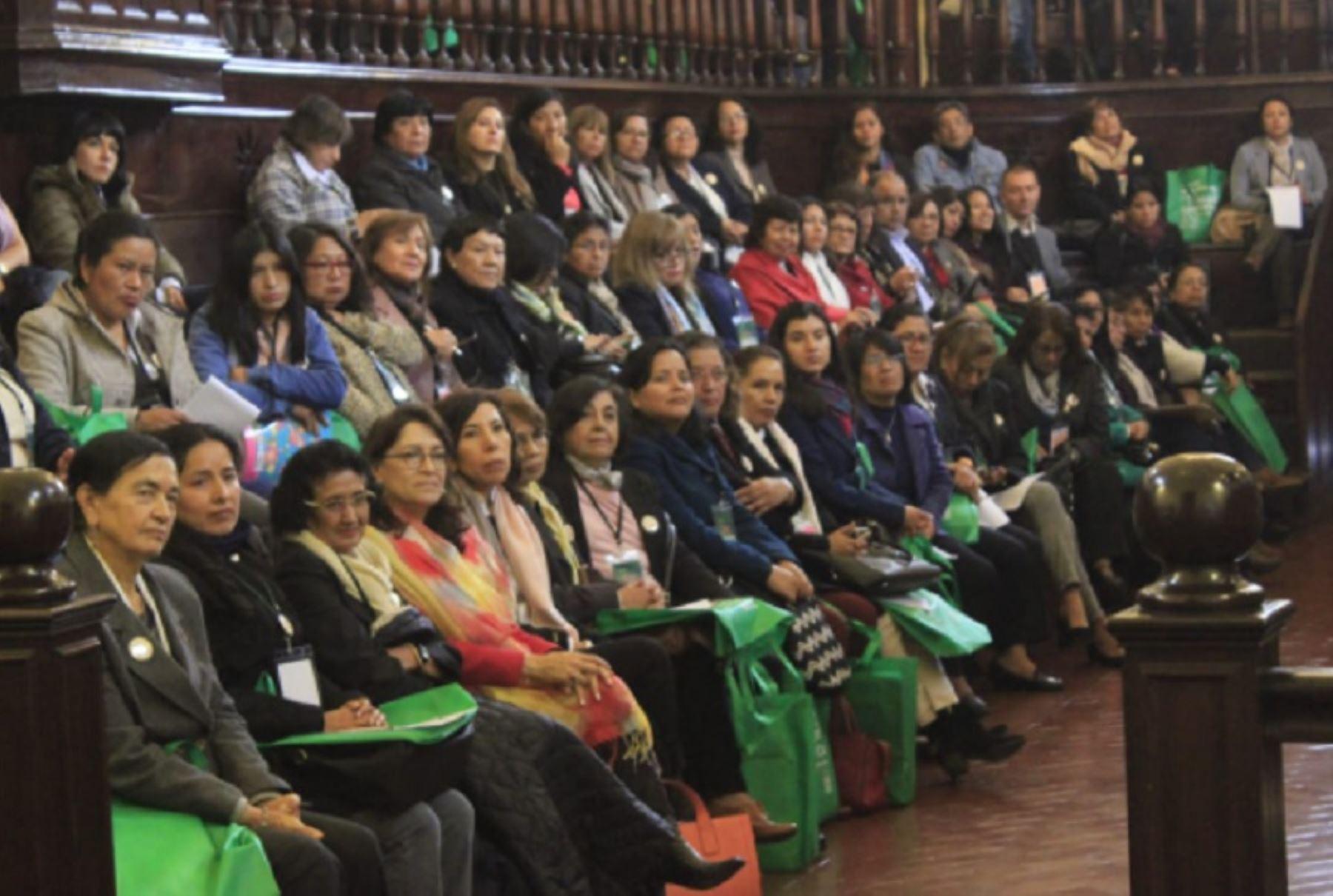 Realizan taller para empoderar a mujeres científicas de la macrorregión norte