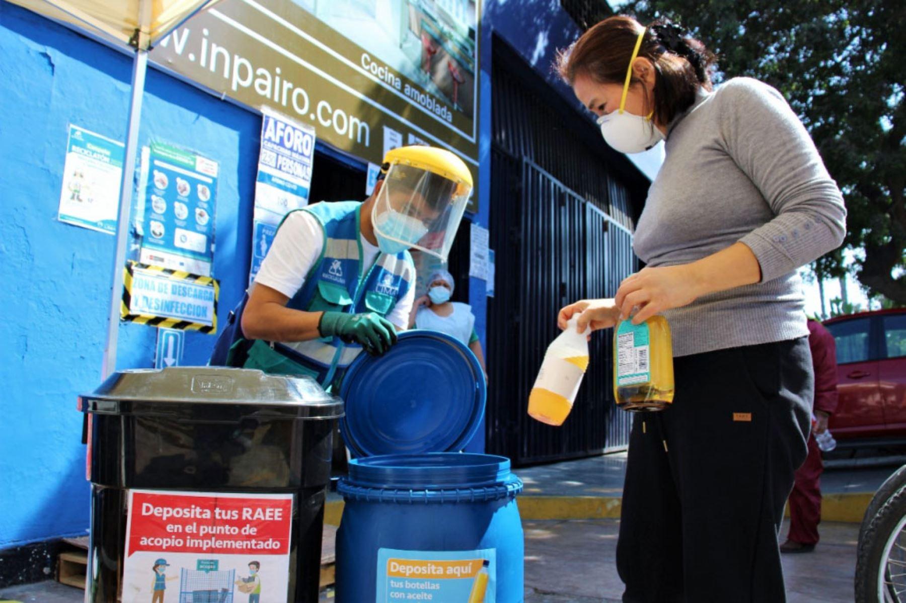 Recolectan más de 800 kilogramos de residuos aprovechables en mercados de Lima