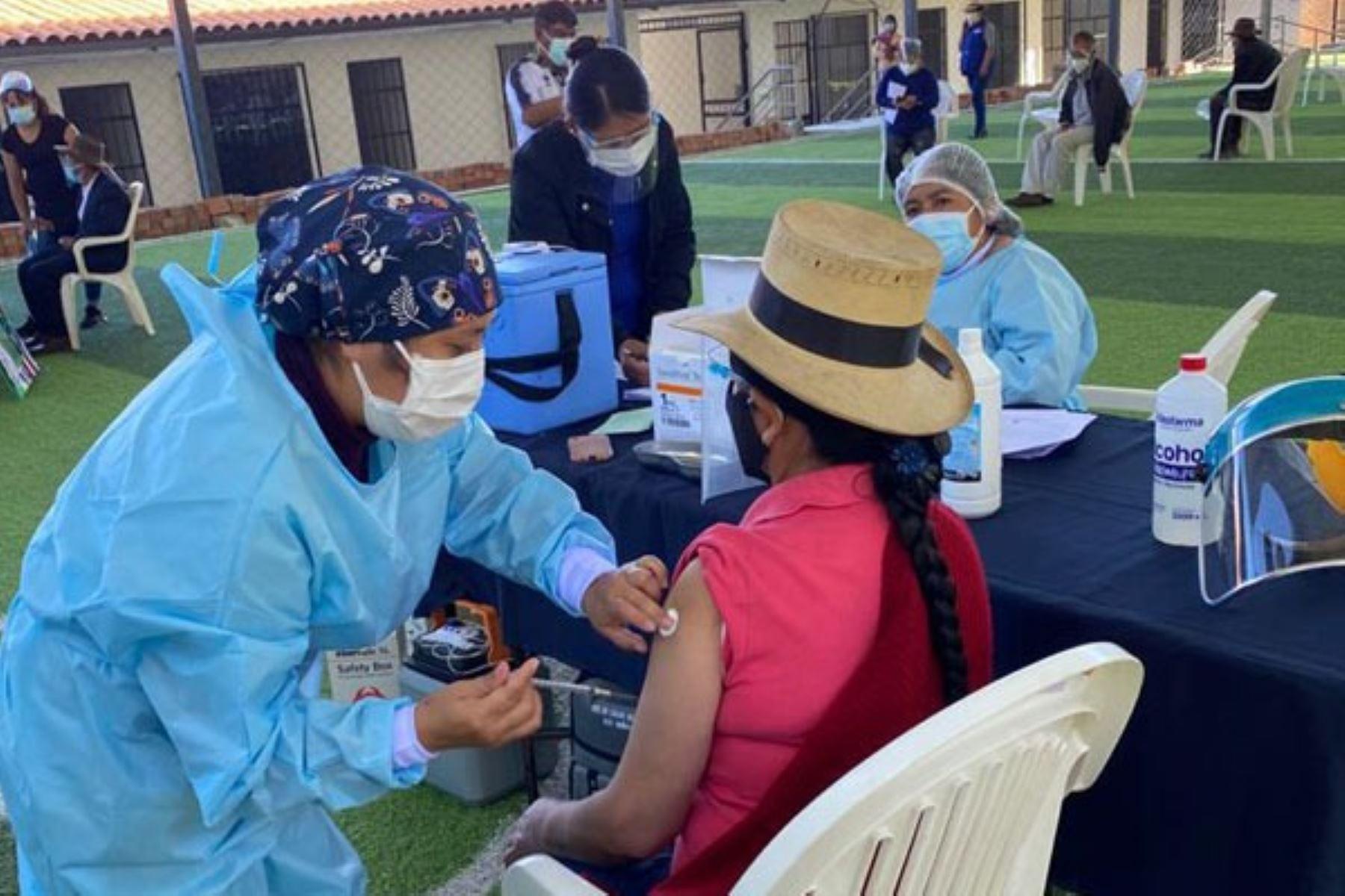 Vacunación contra el covid-19. Foto: cortesía.
