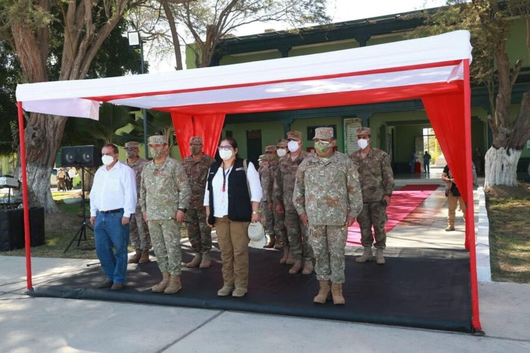 Ministra de Defensa visitó bases de las Fuerzas Armadas en Piura