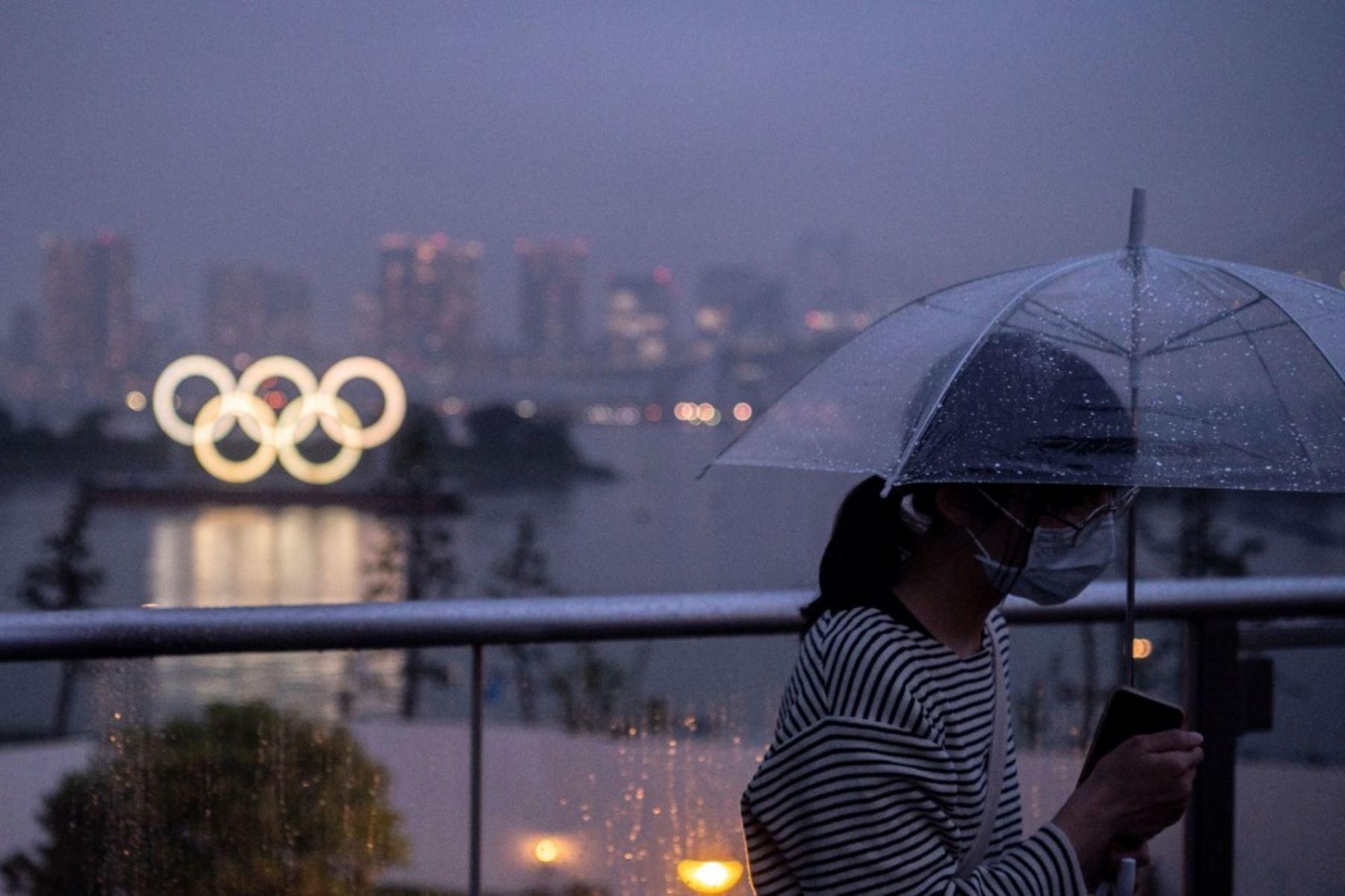 Los japoneses reaccionaron con molestia la decisión de las autoridades de llevar a cabo unos juegos olímpicos sin público en los escenarios deportivos.