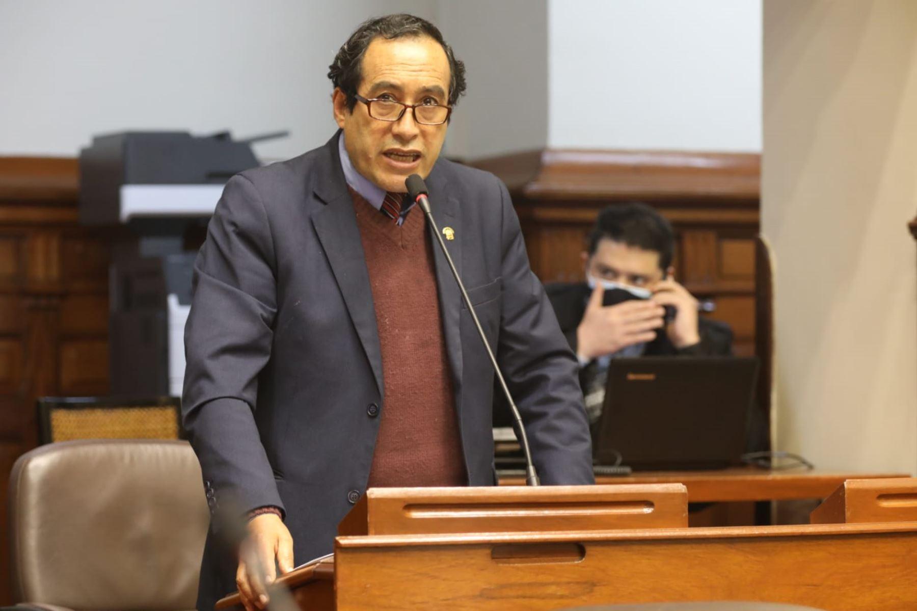 Congresista Jorge Vásquez Becerra renuncia a bancada de Acción Popular