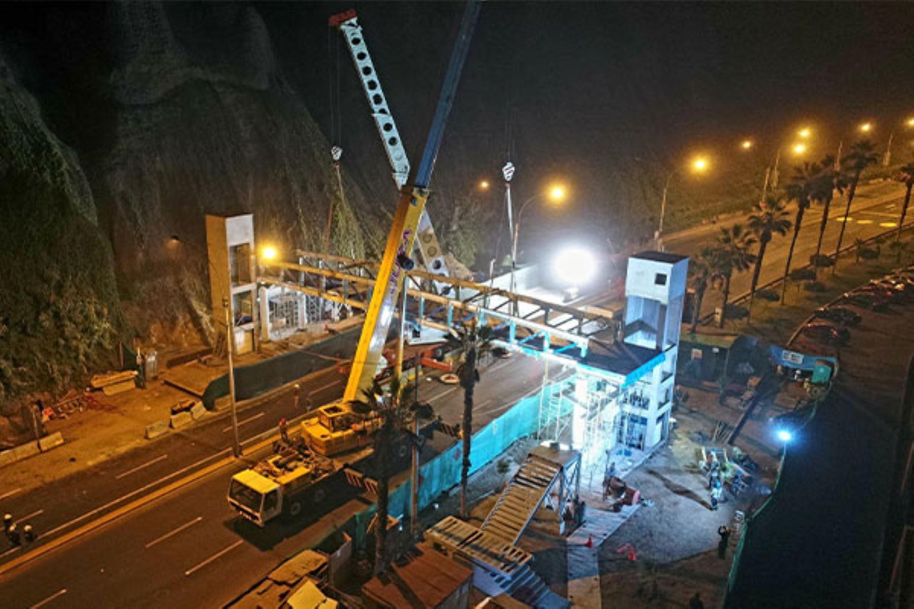 Municipalidad de Lima inició montaje de puentes inclusivos en la Costa Verde