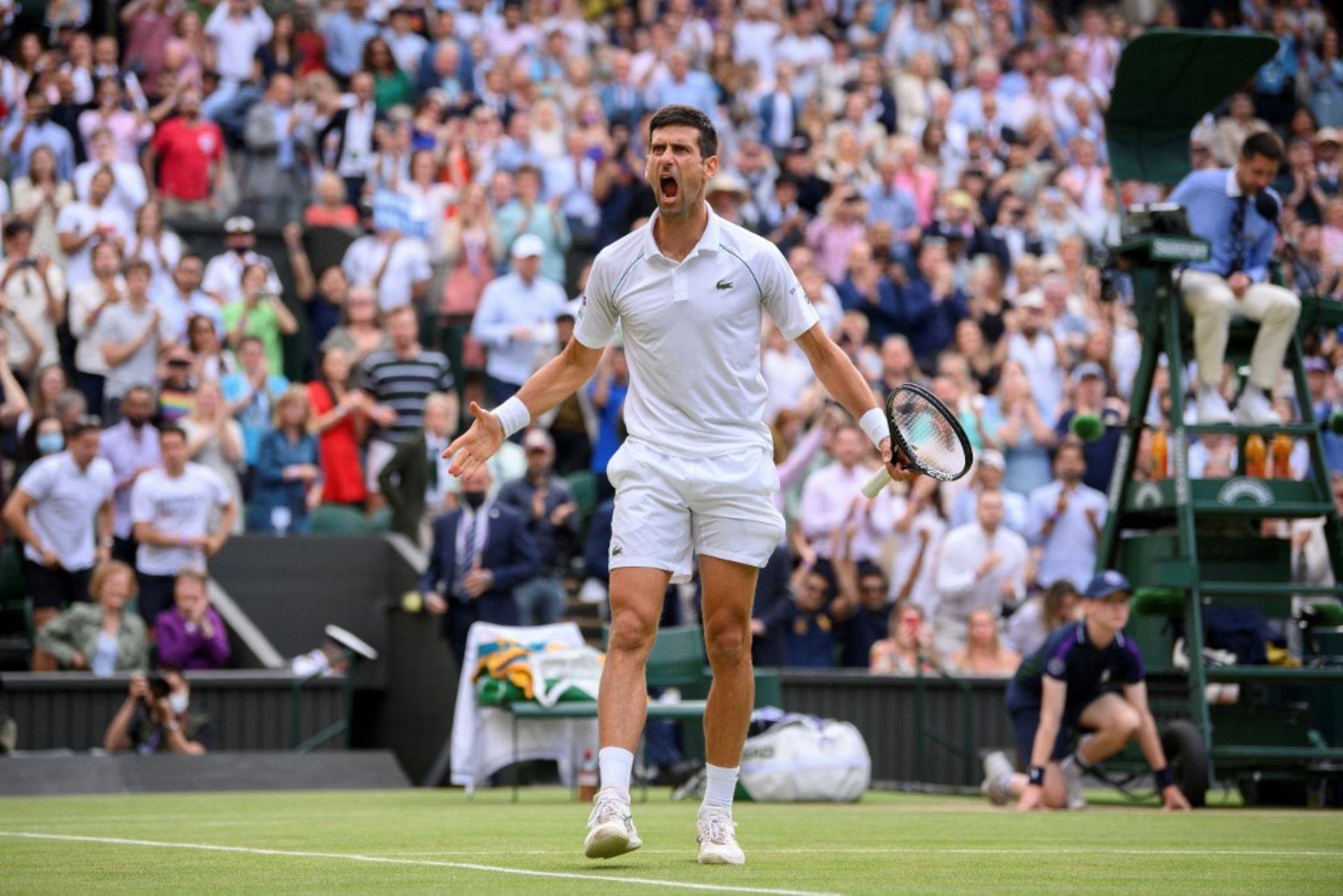 Djokovic doma a Shapovalov y jugará su sétima final en Wimbledon