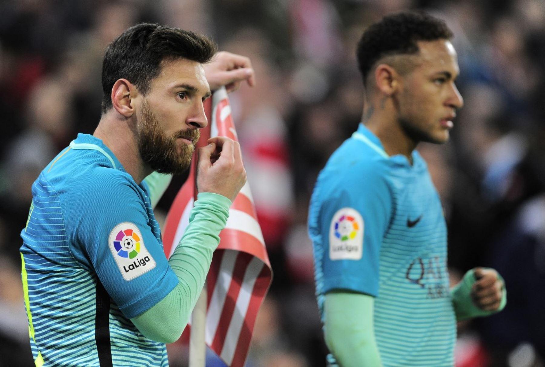 Messi y Neymar, los dos buenos amigos fuera del campo de juego, tendrán un duelo aparte en la final de mañana en el Maracaná
