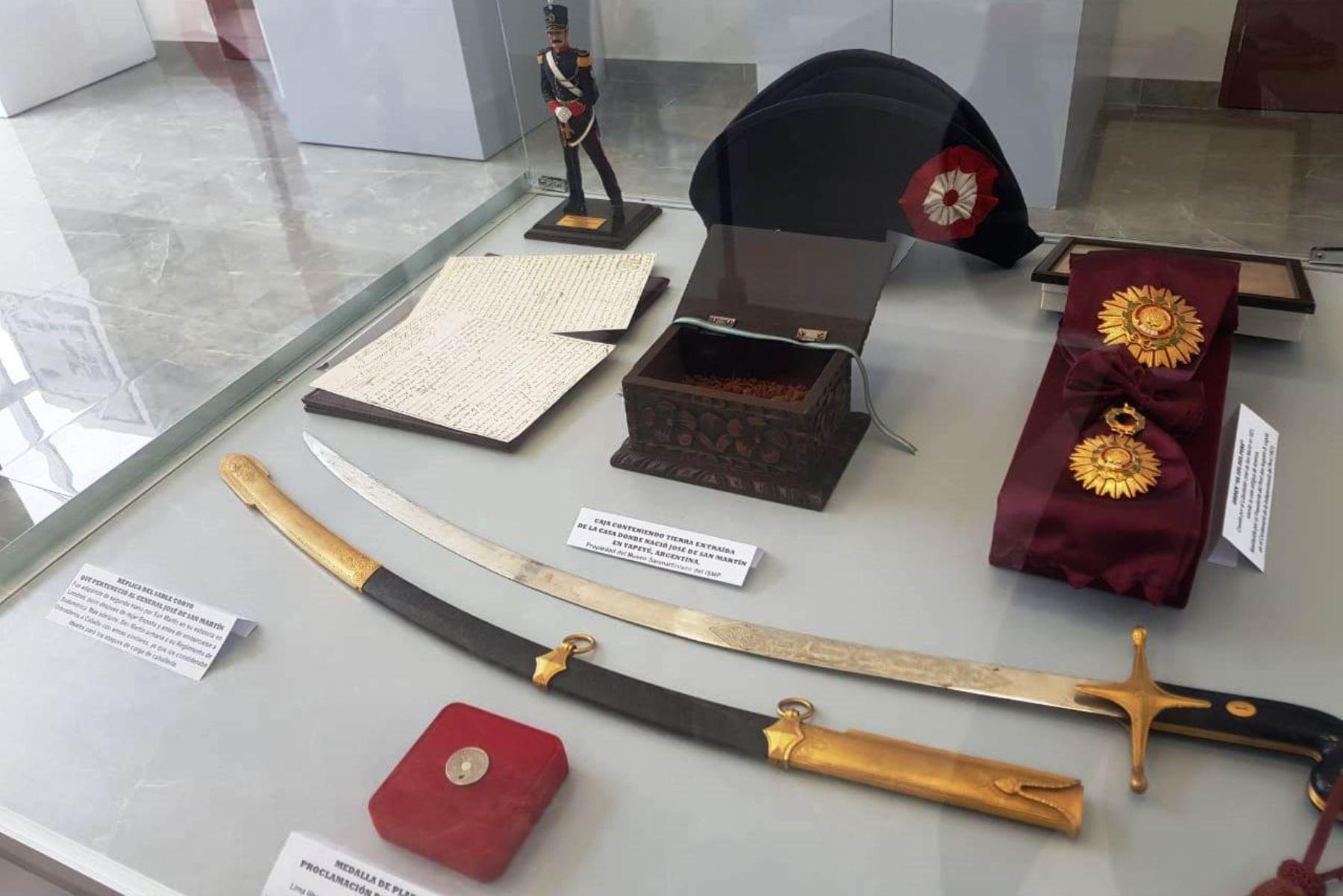 Exhiben objetos relacionados a figura del Libertador José de San Martín