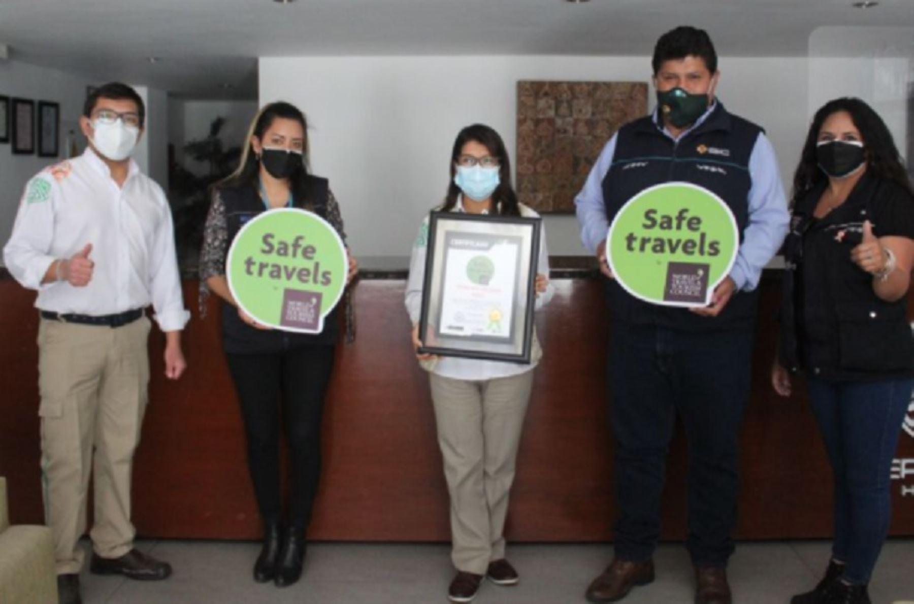 Prestadores de servicios turísticos Arequipa y valle del Colca, recibieron el Sello Safe Travels tras lograr el reconocimiento internacional como destino bioseguro que otorga el Consejo Mundial de Viajes y Turismo, el mismo que es avalado por la Organización Mundial de Salud.