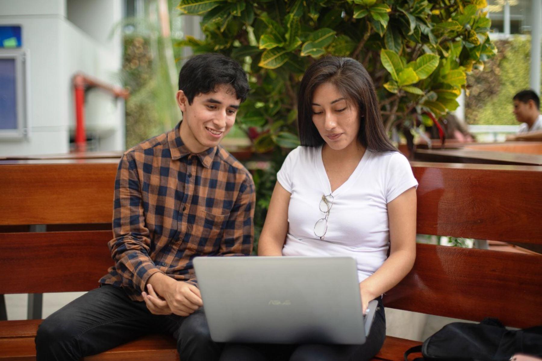 Las becas les permitirá llevar a cabo programas de estudio, formación y/o investigación en universidades italianas estatales o privadas.