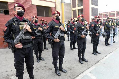 El Plan Fiestas Patrias Segura dispuso que los 4,000 efectivos policiales, que laboran en todas las comisarías de Arequipa, estén en alerta durante los días de las celebraciones conmemorativas, así como 500 policías de las unidades especialesANDINA/Difusión