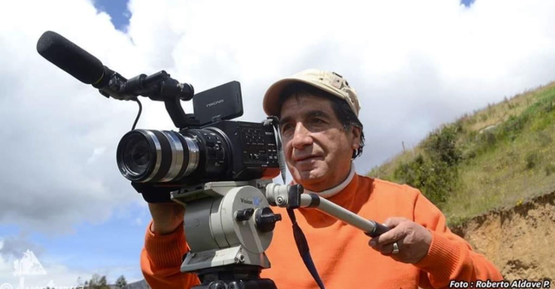 Distinguen como Personalidad Meritoria de la Cultura a documentalista Roberto Aldave