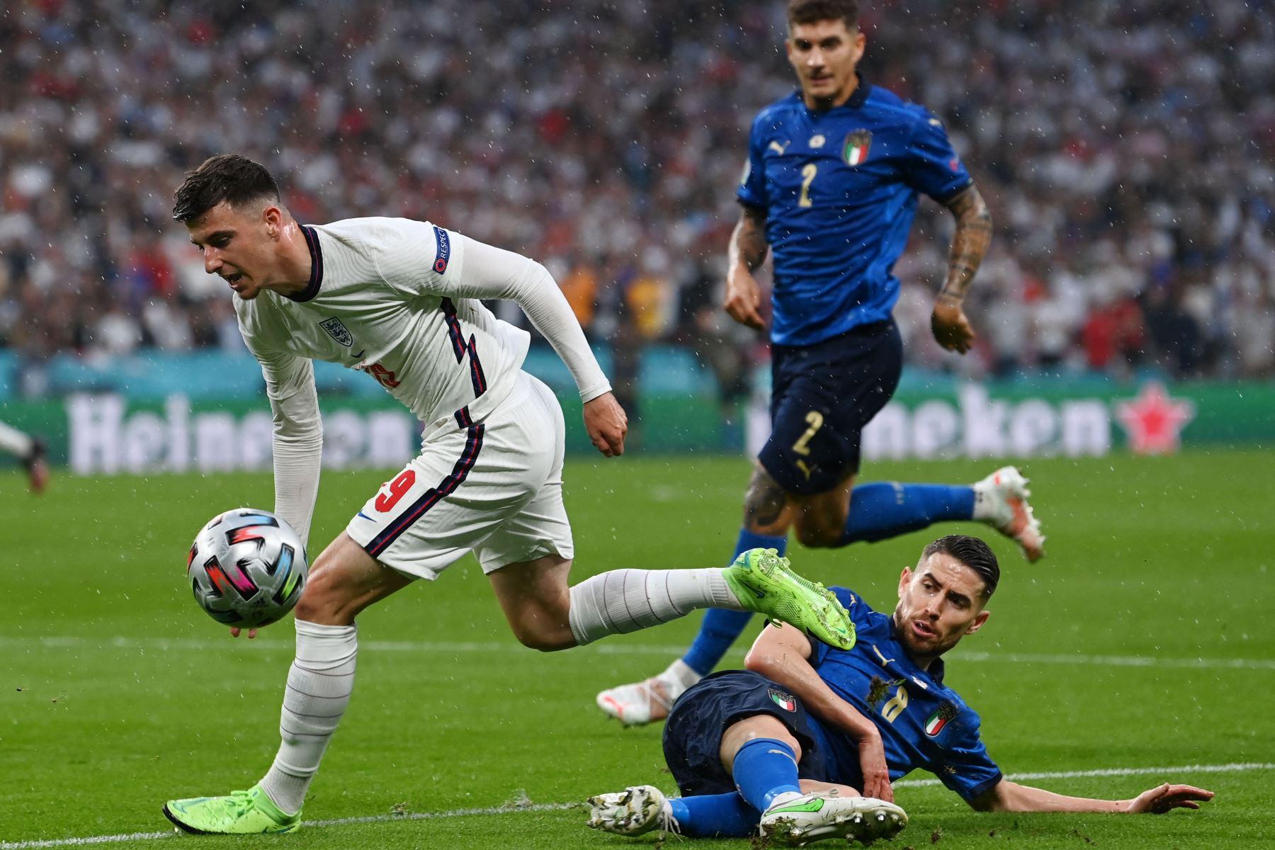 UEFA abre expediente disciplinario contra Inglaterra por incidentes en la Eurocopa