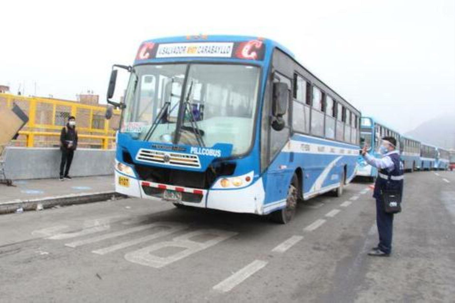 ATU suspenderá habilitación del bus que colisionó en un paradero. Foto: ANDINA/Difusión.