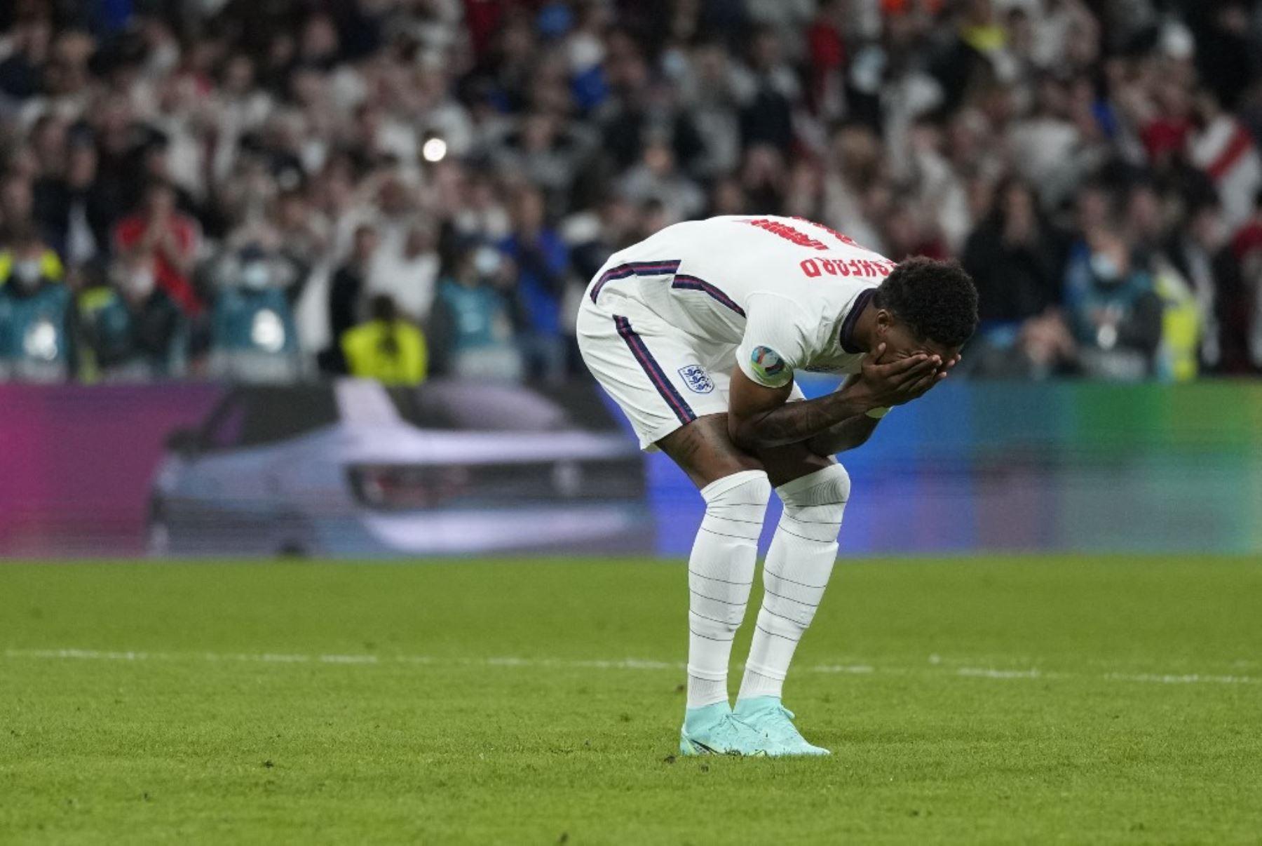 Racismo y vandalismo tras la final sumen a Inglaterra en la vergüenza