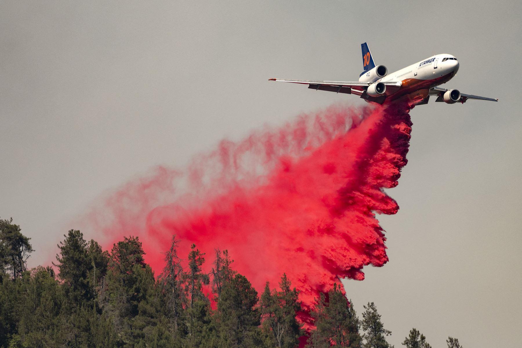 Más de 400 personas fueron evacuadas por los incendios en California