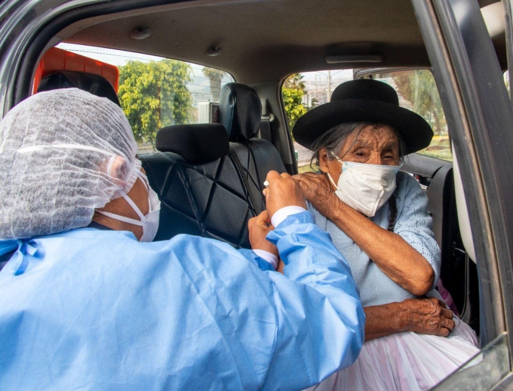 Ayacucho: más de 14,000 personas de 50 a 59 años han recibido la vacuna contra la covid-19