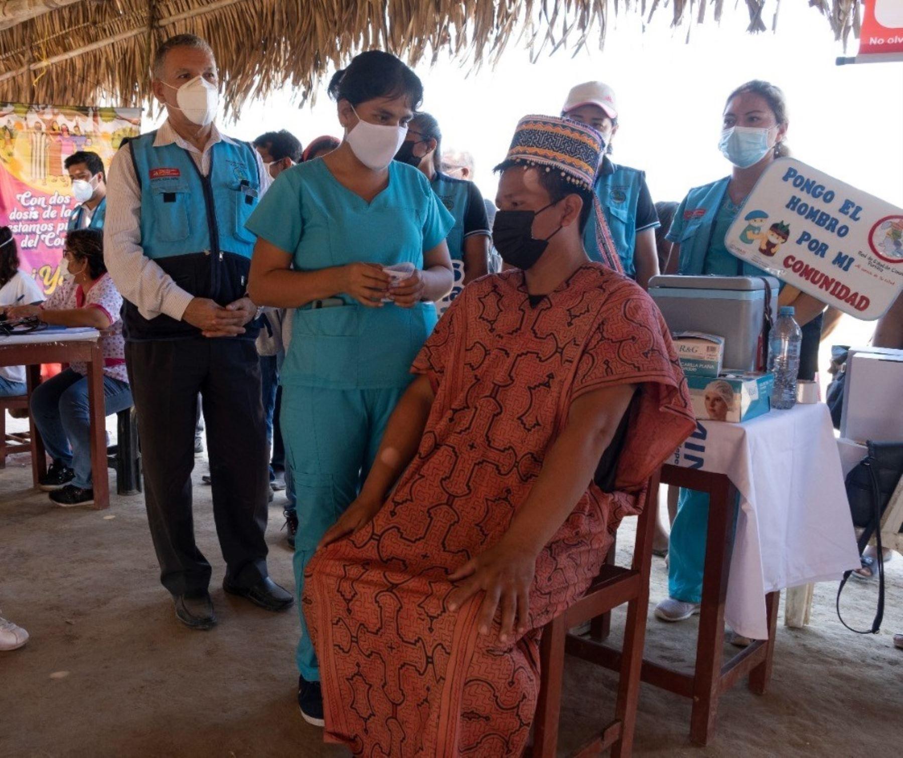 El Ministerio de Cultura y las Diresa de 13 regiones intensifican la campaña informativa en lenguas indígenas sobre la importancia de la vacuna contra la covid-19.Foto: ANDINA/Difusión.