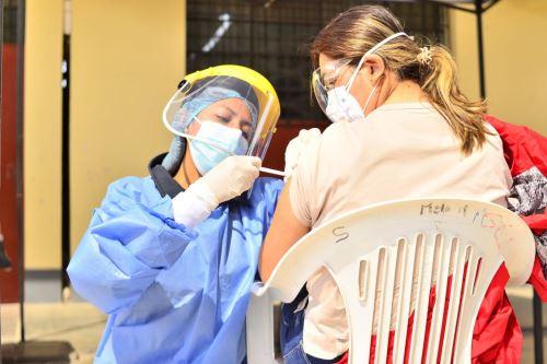 Más del 80 % de la población de Tacna ya recibió la primera dosis de la vacuna contra el covid-19 y el 60 % fue inoculado con la segunda dosis. Foto: ANDINA/difusión.